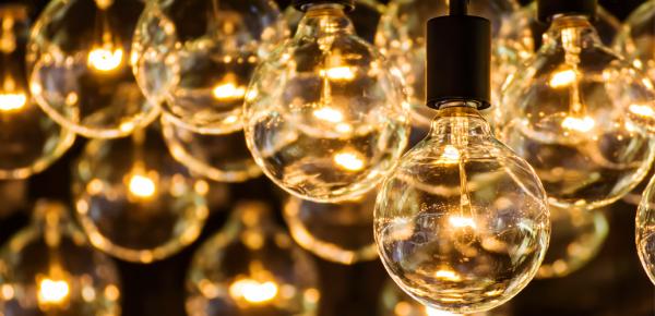 תאורה וחשמל